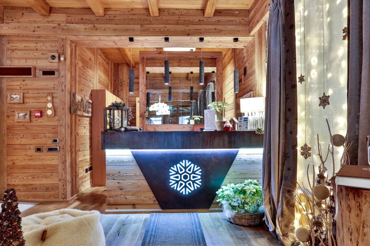 reception moderna in legno